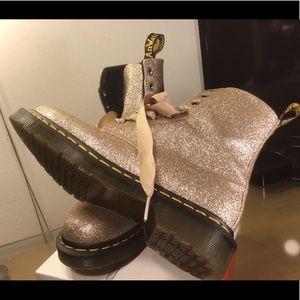 Dr Martens 1460 PASCAL PALE GOLD GLITTER BOOTS.